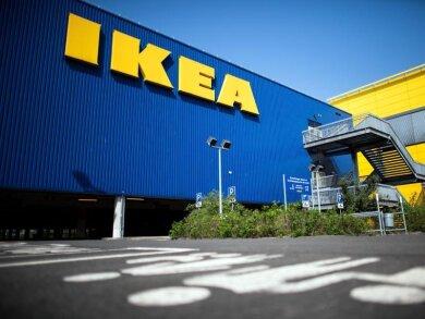 Der Möbelriese Ikea darf nach der Ausnahmeregelung in Nordrhein-Westfalen seine Filialen wieder öffnen.