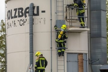 Insgesamt waren rund 50 Feuerwehrleute im Einsatz.