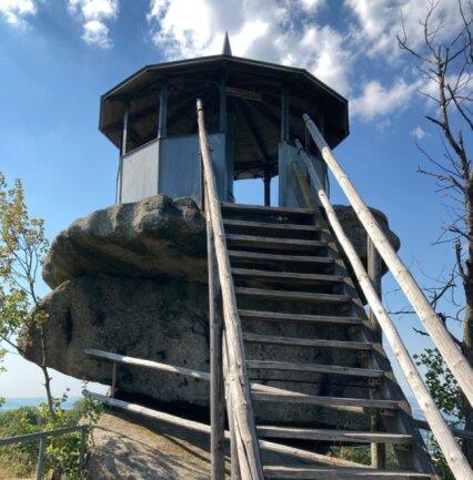 Der Aussichtspunkt Schüssel auf dem Rundweg Großer Waldstein.