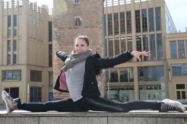 Unter den Fittichen von Trainerin Gabi Frehse entwickelte sich Sophie Scheder in Chemnitz zu einer Weltklasseturnerin.