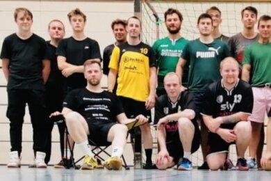 Gemeinsam im Training für zwei Mannschaften: die Handballer des HC Annaberg-Buchholz.