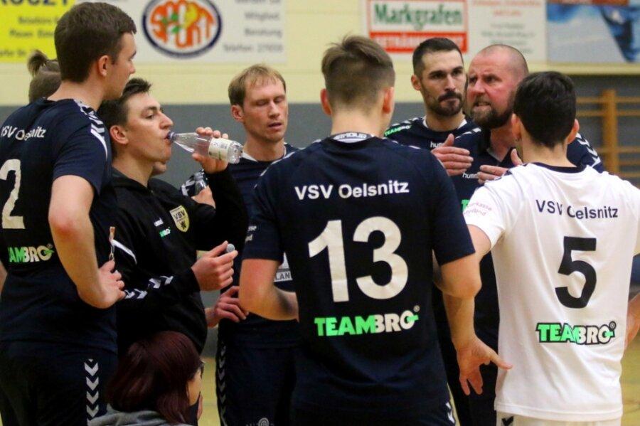 In einer dramatischen Partie motivierte VSV-Trainer Alexander Krug seine Spieler in jeder Auszeit aufs Neue und konnte sich über einen 3:2-Sieg im ersten Heimspiel freuen.