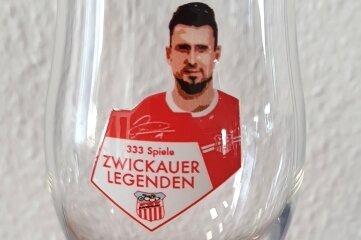 Davy Fricks Jubiläum vom Wochenende ist auf einem Bierglas verewigt.