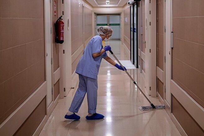 Sauberkeit ist wichtig im Krankenhaus. Um Infektionen zu vermeiden, braucht es aber viel mehr.