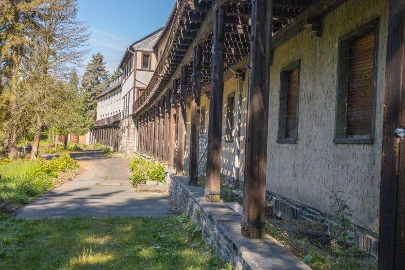 Über 20 Jahre stand das Pawlow-Haus in Warmbad leer. Jetzt hat es einen neuen Besitzer, der es zum Hotel umbauen will.
