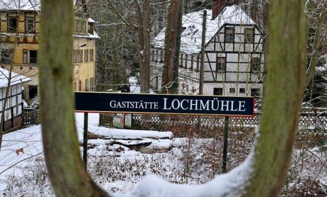 Die idyllisch gelegene Lochmühle in Erlebach an der Talsperre Kriebstein war einst beliebte Gaststätte, auch eine Pension gab es dort.