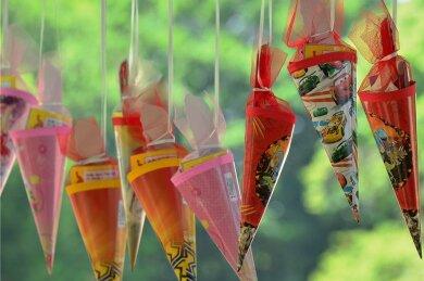 Längst sind die Zuckertüten für die Schulanfänger gepackt. Am Samstag finden die Feierlichkeiten zur Schulaufnahme in der Region statt - erneut müssen dabei Schutzbestimmungen wegen Corona eingehalten werden.