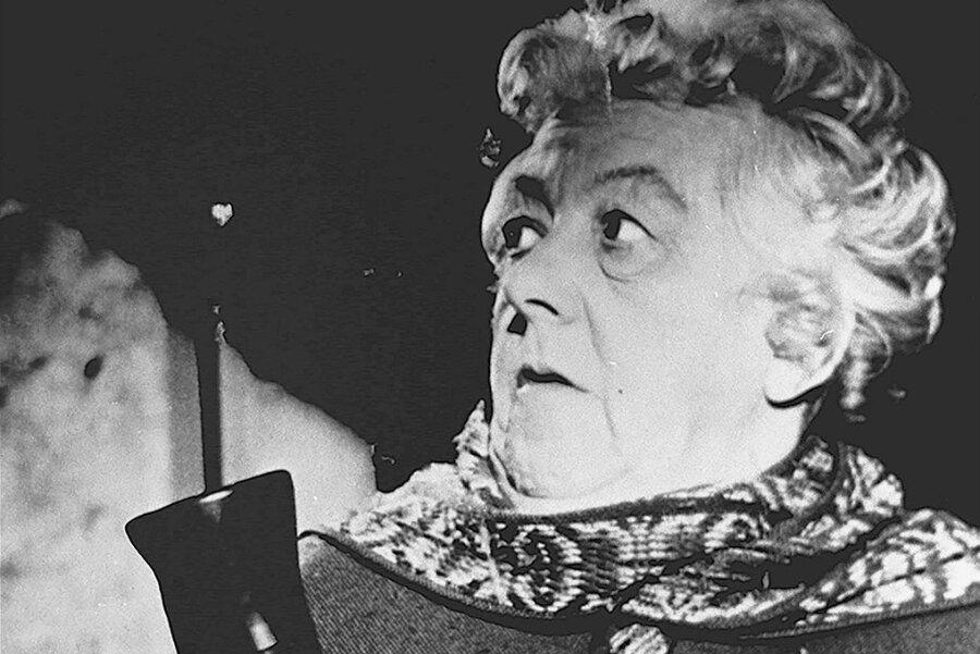 """""""Murder she said"""" hieß 1961 der erste Miss-Marple-Film nach dem Agatha-Christie-Roman """"4.50 from Paddington"""": Der Film, auf deutsch """"16 Uhr 50 ab Paddington"""", machte Schauspielerin Margaret Rutherford zur Miss Marple - auch wenn sie optisch der Romanbeschreibung gar nicht entsprach."""
