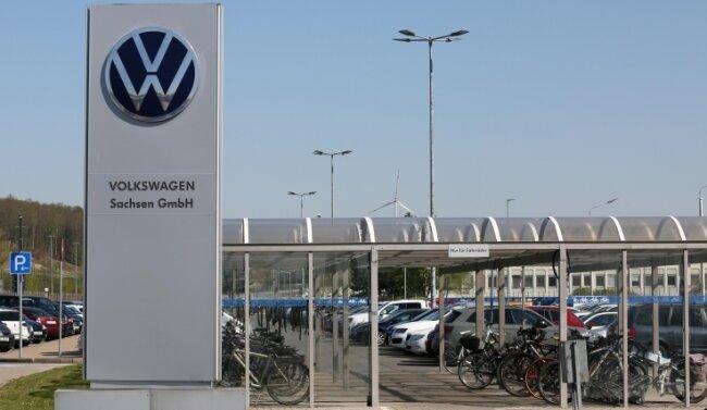 Der VW-Konzern prüft zurzeit, die VW Sachsen GmbH am Standort Zwickau-Mosel in die Wolfsburger VW AG einzugliedern.