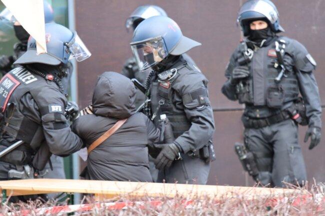 Landespolitiker übten am Samstag Kritik am Polizeieinsatz in Dresden.