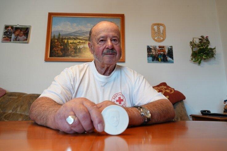 Klaus Schwabe ist seit wenigen Tagen Träger der Annenmedaille für bürgerschaftliches Engagement.