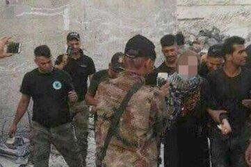 Irakische Regierungstruppen machten Handyfotos von Linda W.s Festnahme im Sommer 2017.