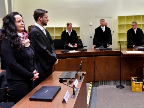 Blick in den Gerichtssaal während des Prozesses um Beate Zschäpe.