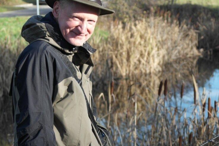 Für Vereinschef Detlef Arndt ist Angeln mehr als ein Hobby. Doch der Zustand der Gewässer macht dem Geringswalder zunehmend Sorgen.