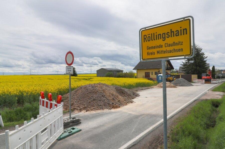 Die Ottendorfer Straße im Claußnitzer Ortsteil Röllingshain ist Richtung Altmittweida gesperrt (hier Blickrichtung von Altmittweida nach Röllingshain), weil Gasanschlüsse erneuert werden. Das sorgt für Irritationen.