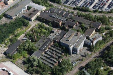 """Die """"Fackel"""" in Zwickau-Pölbitz aus der Luft. 40.000 Quadratmeter groß ist das Gelände des ehemaligen Eisenwerks."""