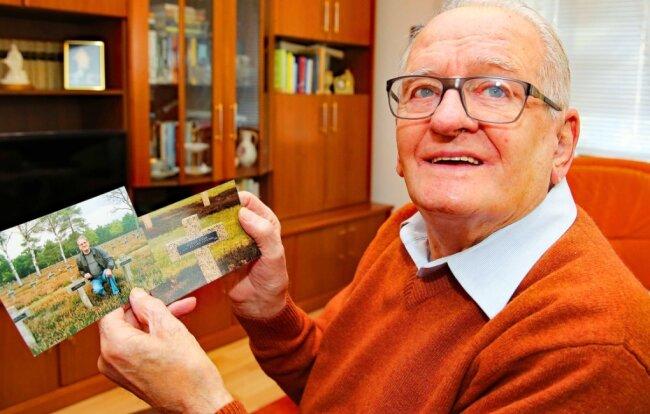 """Werner Kosak feierte am Montag seinen 95. Geburtstag. Der Werdauer besuchte schon zweimal """"sein"""" Grab auf einem deutschen Soldatenfriedhof."""