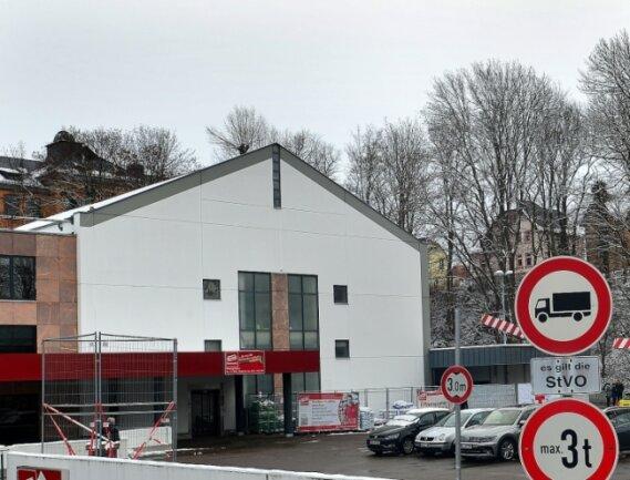 Für viele ältere Mittelsachsen stellt die Fahrt zum zentralen Impfzentrum des Landkreises, das im Simmelcenter in Mittweida angesiedelt ist, ein Problem dar.