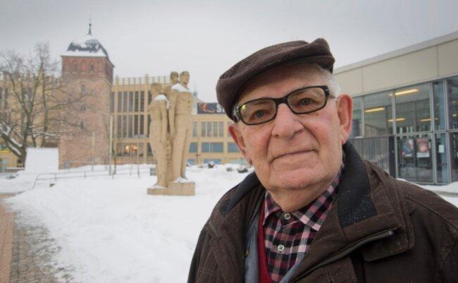 Der Chemnitzer Helmar Frenzel hat sich im Kampf gegen Krebs für eine Hormontherapie entschieden - für ihn das geringere Übel.