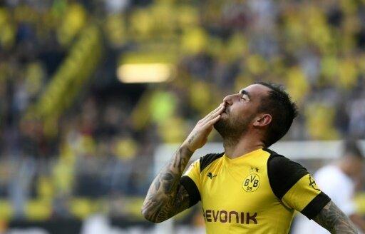 Dortmund bindet Paco Alcacer langfristig