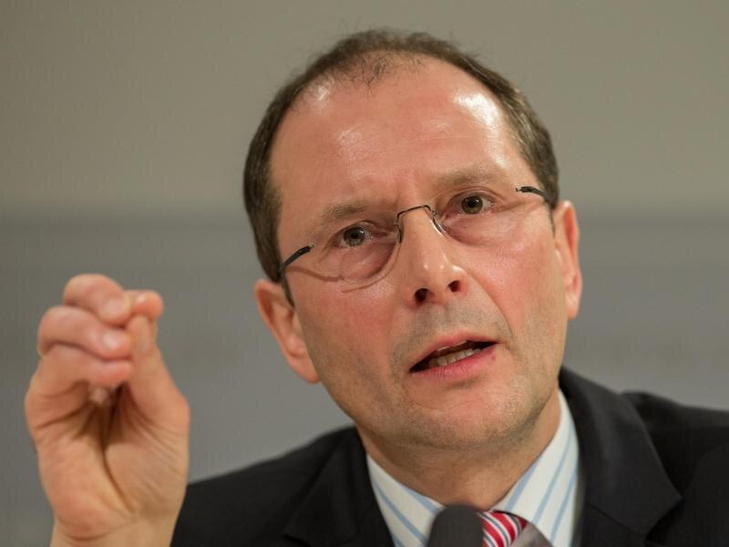 Ulbig (CDU)beriet über die Unterbringung der Flüchtlinge.