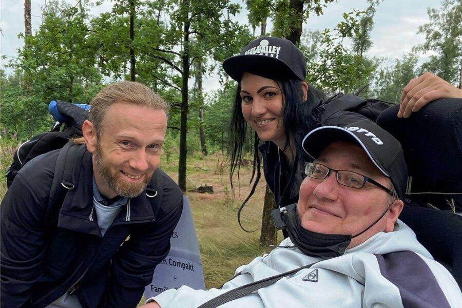 Alex Löscher (rechts) mit Freunden Micha und Nicole.