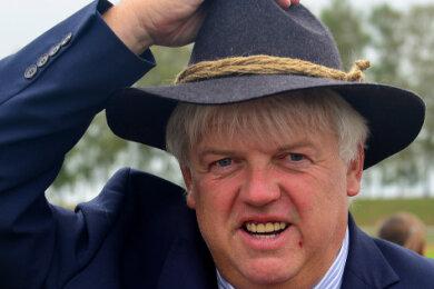 Schon zum Chemnitzer Hutfestival, das in Hainichen Station machte, zeigte sich Bürgermeister Dieter Greysinger optimistisch.