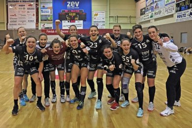 Für den BSV Sachsen Zwickau wird sich Mitte Mai entscheiden, ob sie in der kommenden Saison weiter in der 2. Bundesliga spielen oder in die 1. Bundesliga aufrücken.