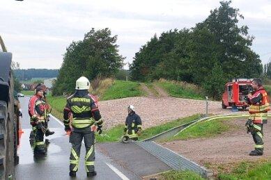 Die Wasseraufnahme über Tanks an Traktoren erfolgte an der Wasserskianlage. Am Heidelbeerwehr gibt es einen Zugang zum Speicherbecken, der extra für Feuerwehrfahrzeuge angelegt worden ist.