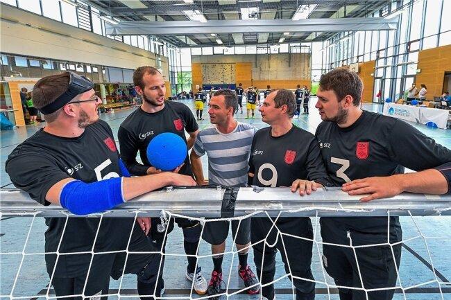Das Chemnitzer Team mit André Platen, Oliver Hörauf, Trainer Sascha Timaeus, Lars Geithner und Rouwen Schetelich (v. l.). Es fehlt Martin Burkhardt