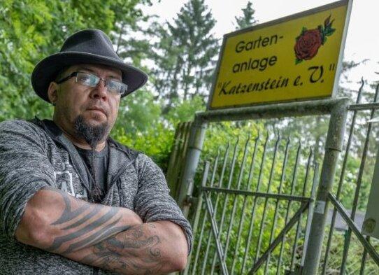 Danilo Lenhardt (45) ist 1. Vorsitzender des Kleingartenvereins Katzenstein. Wegen des abgeklemmten Stroms fürchtet er inzwischen um den Fortbestand der Anlage.