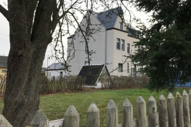 Das Bürgerhaus Schönbrunn soll modernisiert werden und einen Anbau erhalten.
