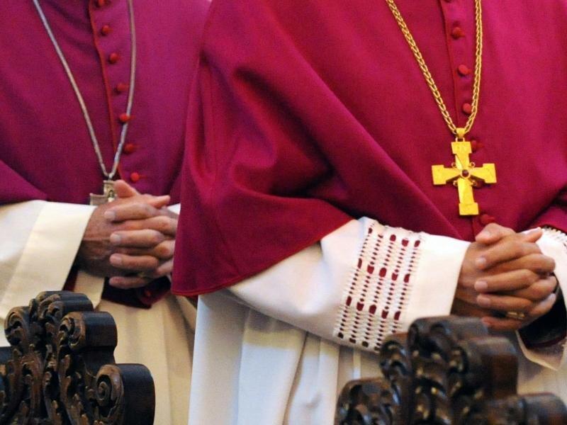 Missbrauch: Katholische Kirche entschuldigt sich für Vertuschen