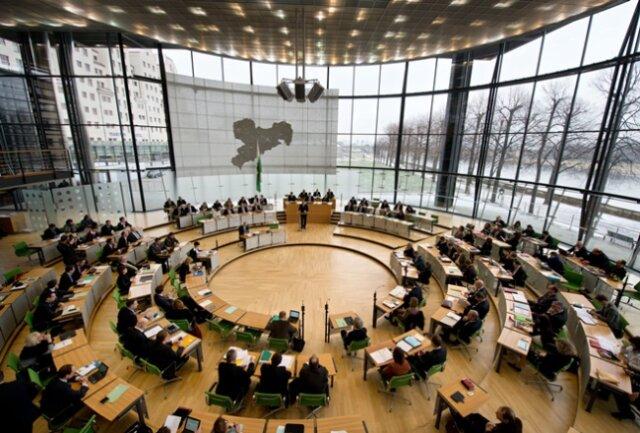 Der Sächsische Landtag in Dresden entscheidet Ende April über den Doppelhaushalt 2015/16.