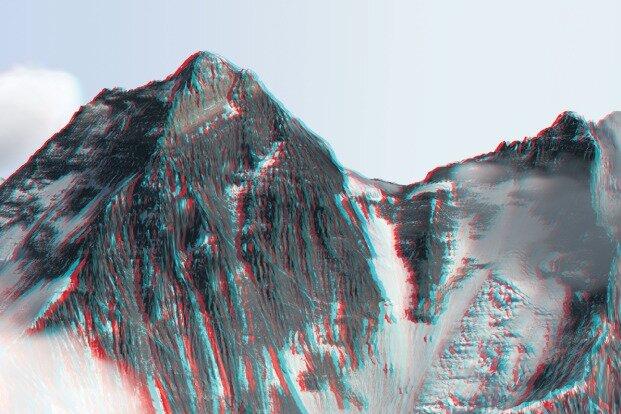 Alixvon Melle - Die Südseite mit dem 8516 Meter hohen Lhotse (rechts), dem Südsattel (Mitte) und dem Everest-Gipfel als 3D-Motiv.