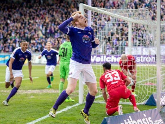 Fabian Kalig leitete beim letzten Aufeinandertreffen der Auer gegen Würzburg mit seinem 1:0 einen 3:1-Erfolg der Veilchen ein.