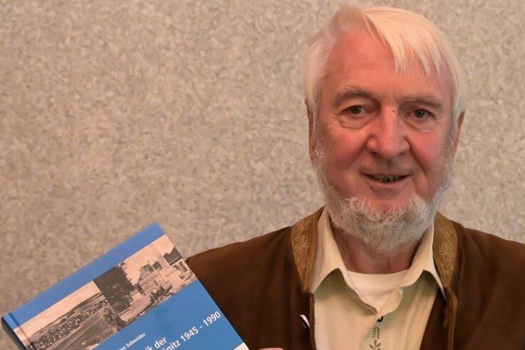 Uwe Schneider ist Autor der Zwönitzer Chronik und hat am Montag dazu den zweiten Band vorgestellt.