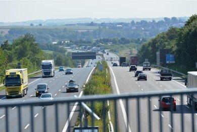 Die Autobahn 4 von Siebenlehn in Richtung Nossen. Vor der Baustelle treten derzeit Staus auf.