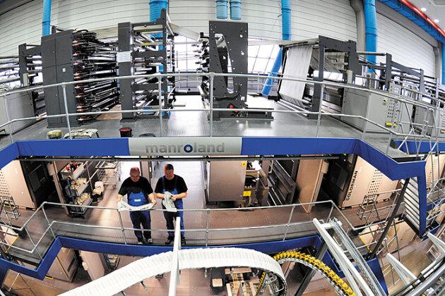 Gedruckt wird auf drei Rollenoffsetmaschinen COLORMAN XXL von der manroland websystems GmbH mit je zwei Drucktürmen.