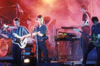 Die DDR-Band Jessica (Gitarrist Andre Drechsler, Keyboarder Ralf Böhme, Sänger Tino Eisbrenner, Schlagzeuger Olaf Becker und Bassist Janec Skirecki, von links) wurde im Jahr 1983 in Berlin von einem englischen Fernsehteam entdeckt, was ihre Ost-Karriere startete.