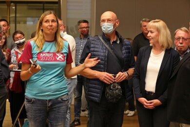 Kathrin Köhler (r.) spricht Constance Arndt (l.) die Eignung zur Oberbürgermeisterin ab.