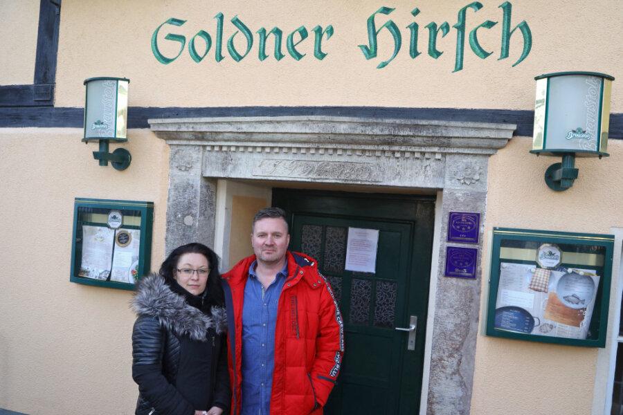 """Gaststätte """"Goldner Hirsch"""" in Bernsdorf schließt wegen eines Corona-Falls"""