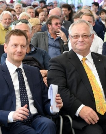 Landesvater Michael Kretschmer (l.) und Thomas Firmenich bei der Eröffnung der Landesgartenschau.