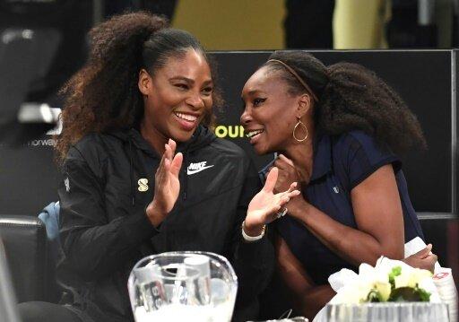 Serena Williams (l.) veröffentlicht erste Kollektion