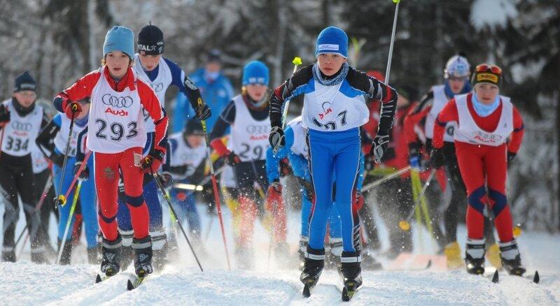 Bei den Landesjugendspielen - hier der Massenstart der Skilangläufer in Altenberg - verdienen sich junge Talente ihre ersten Sporen.