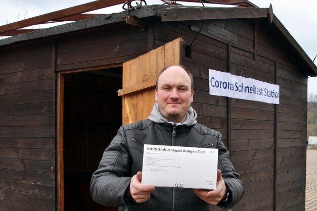 Steffen Habeland bietet kostenlose Corona-Schnelltests an.