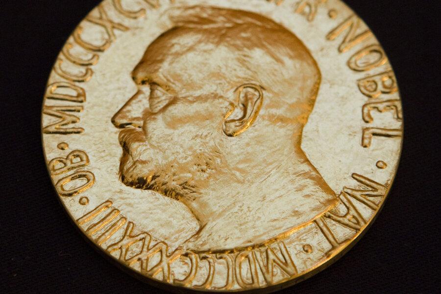 Ein Original: die Vorderseite der Medaille des Friedensnobelpreises.