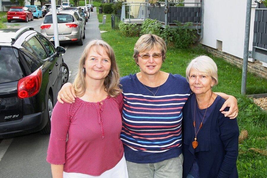 Simone Blechschmidt (links) ist die Jüngste im Bunde - sie ist die Stellvertreterin von Geschäftsführerin Petra Roth (Mitte), die unter anderem mit Sabine Müller vor 30 Jahren die Elterninitiative gegründet hat.