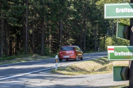 An der Zwönitzer Straße in Geyer nahe des Ortsausganges wird das zuständige Landesamt eine von mehreren Straßenwetterstationen im Erzgebirge errichten lassen.