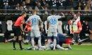 Der Schalker Uth verletzte sich im Spiel gegen Frankfurt